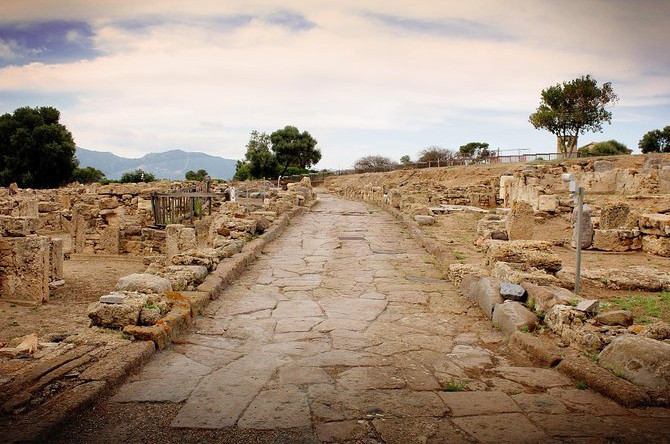 Langs de gamle romerske gader i Nora