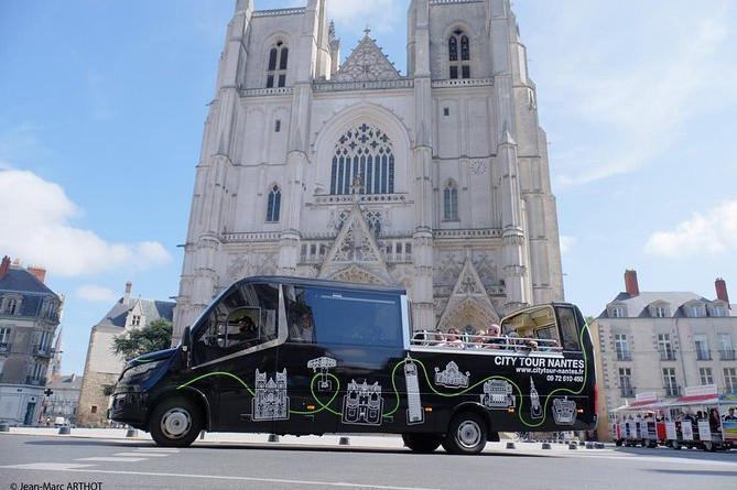 Kommenteret tur til Nantes med cabriolet bus