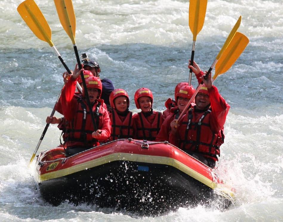 Famiglia di rafting - Ursus