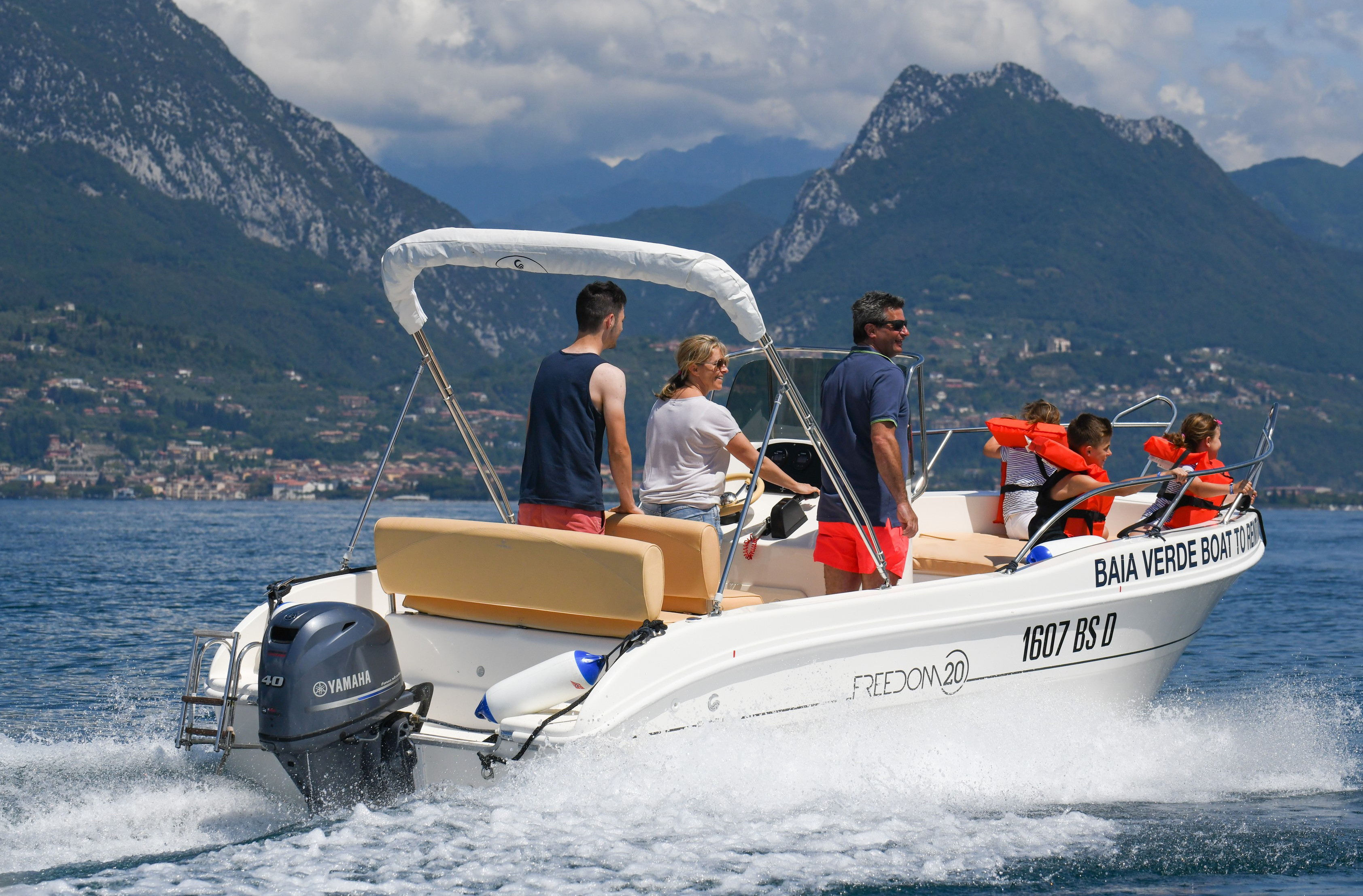 Boat to Rent - Baia Verde