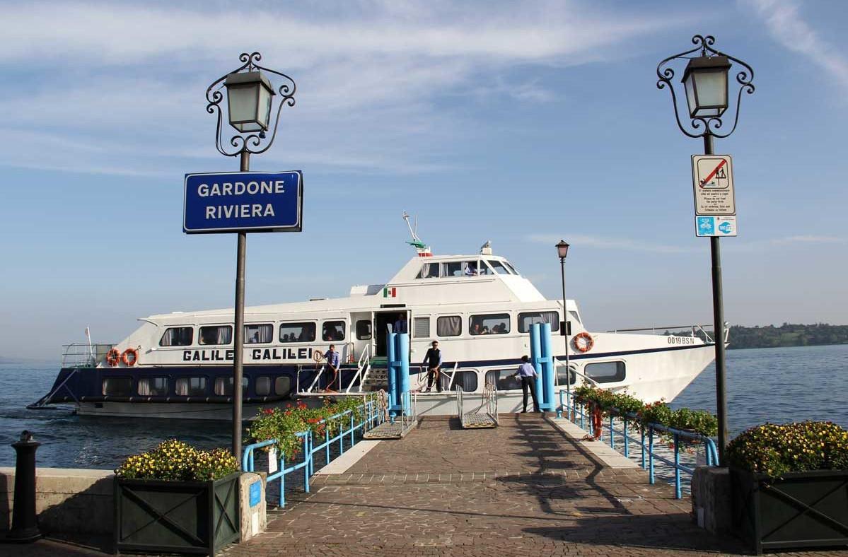 Navigarda Round Trip: Gardone-Bardolino-Garda-Gardone