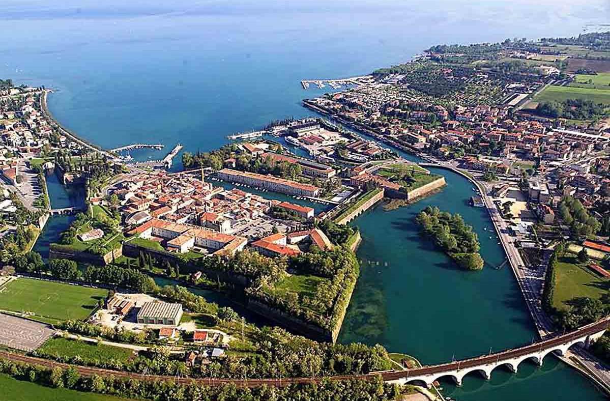 Navigarda Round Trip: Portese-Peschiera-Sirmione-Portese