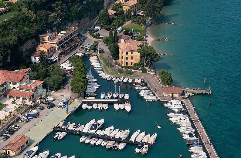Navigarda Round Trip: Manerba-Garda-Bardolino-Sirmione-Manerba
