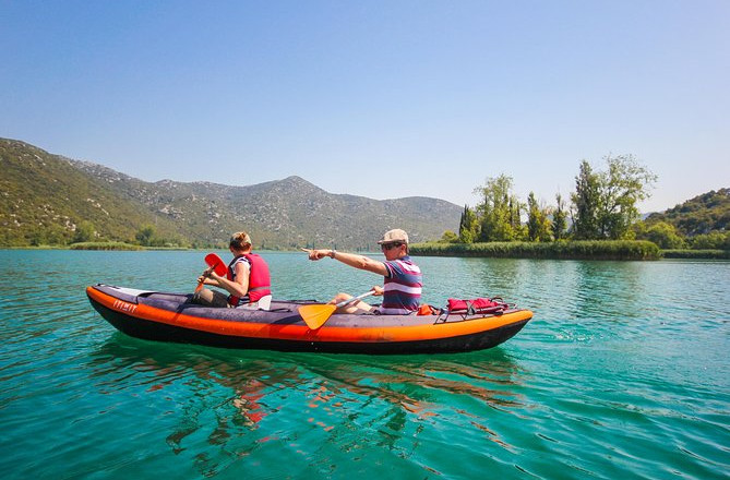 Kajakavontuur op de Bacina-meren