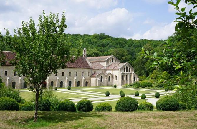 Spring køen over: Adgangskort til Abbaye de Fontenay
