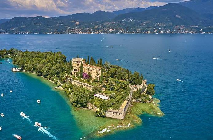 Isola del Garda from Bardolino and Garda