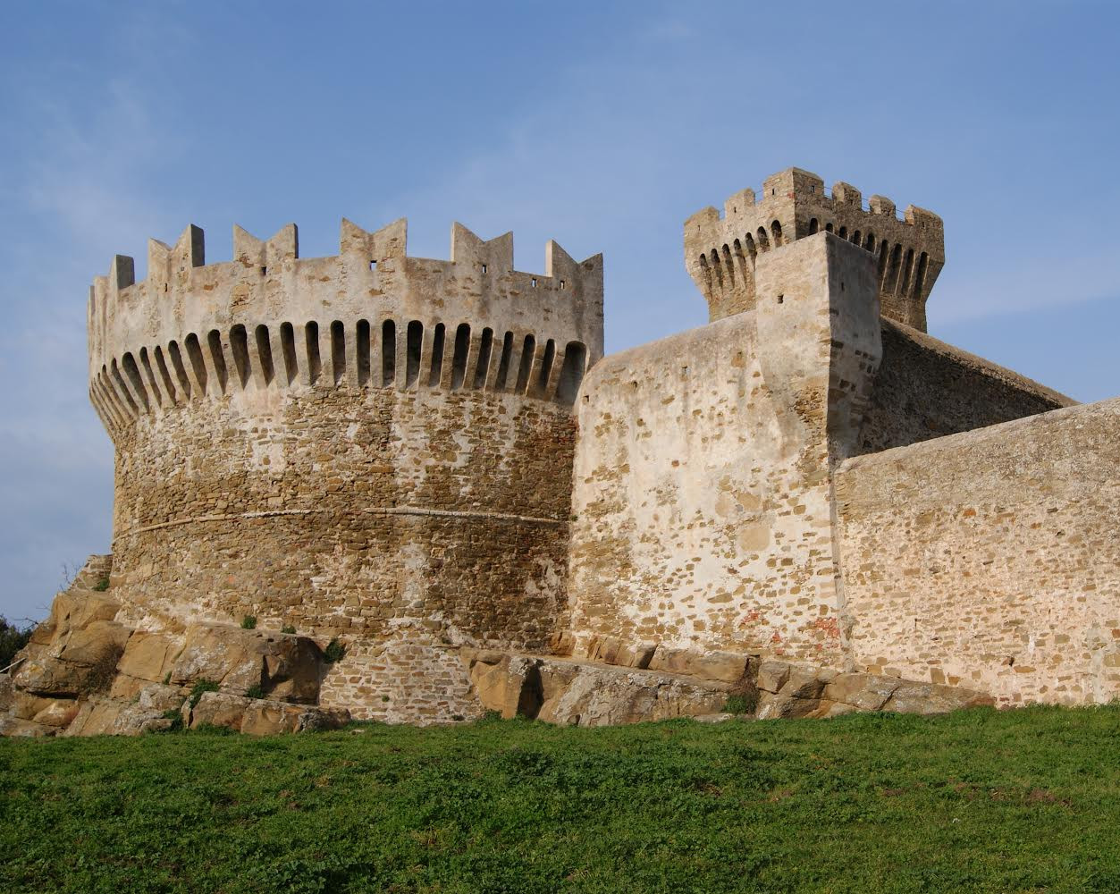 From San Vincenzo to Castle of Populonia