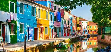 Burano & Murano Island Tour (free shuttle bus to boat)
