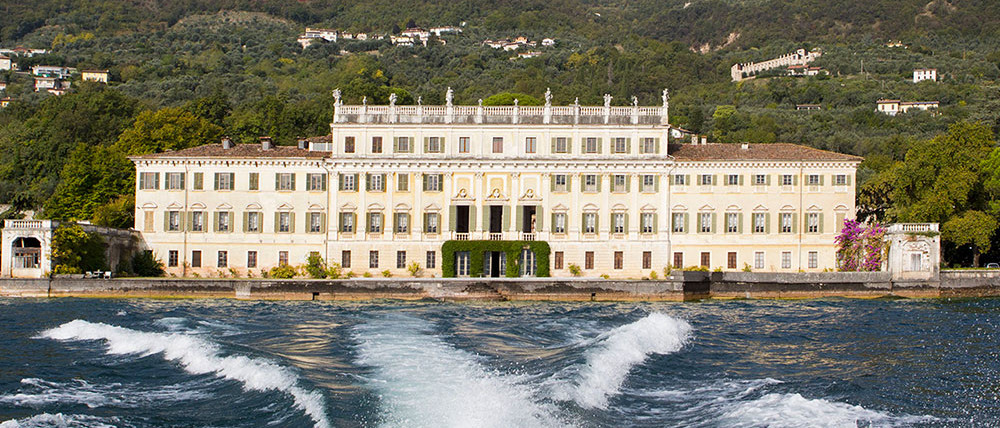 Villa Bettoni Boat and Guided Tour