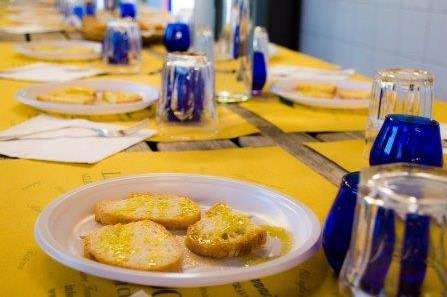 Extra vierge olijfolie tour nabij Terricciola en Italiaans aperitief