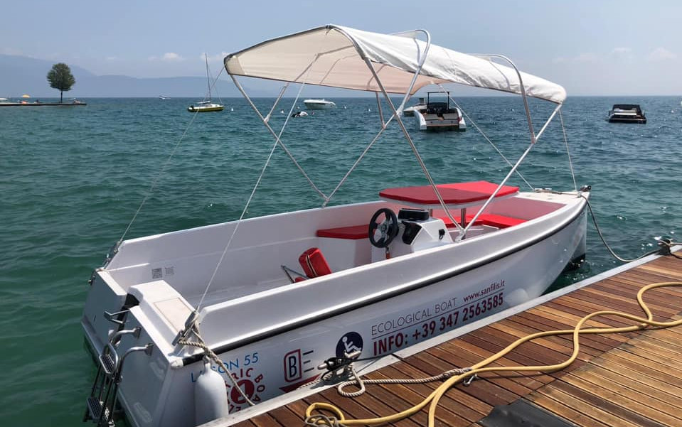 Electric boat 4 hours - Nautica Felice