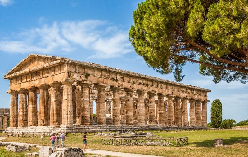 Paestum: Parco Archeologico + Museo