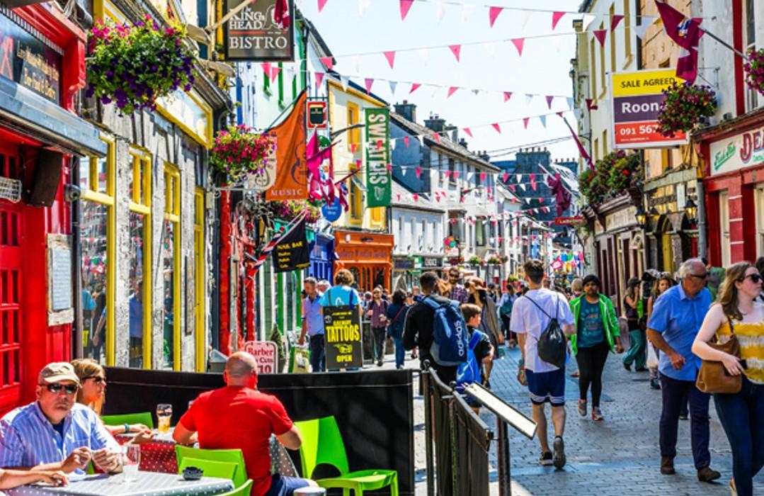 Cliffs of Moher & West of Ireland Highlights: Rundtur fra Dublin