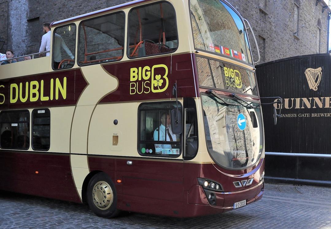 Hop-on Hop-off bus Dublin + Guinness Storehouse: Fast Track