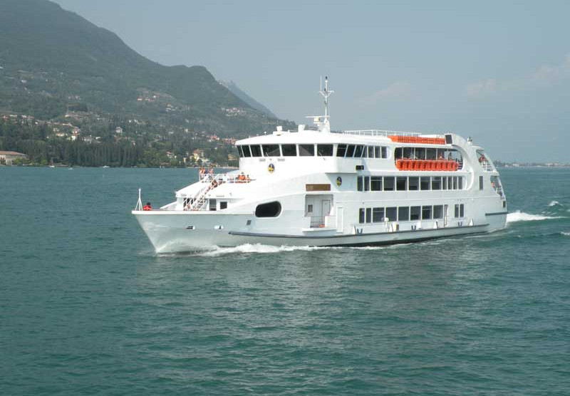 Navigarda - Lake Garda public boat transfer - one day free circulation ticket